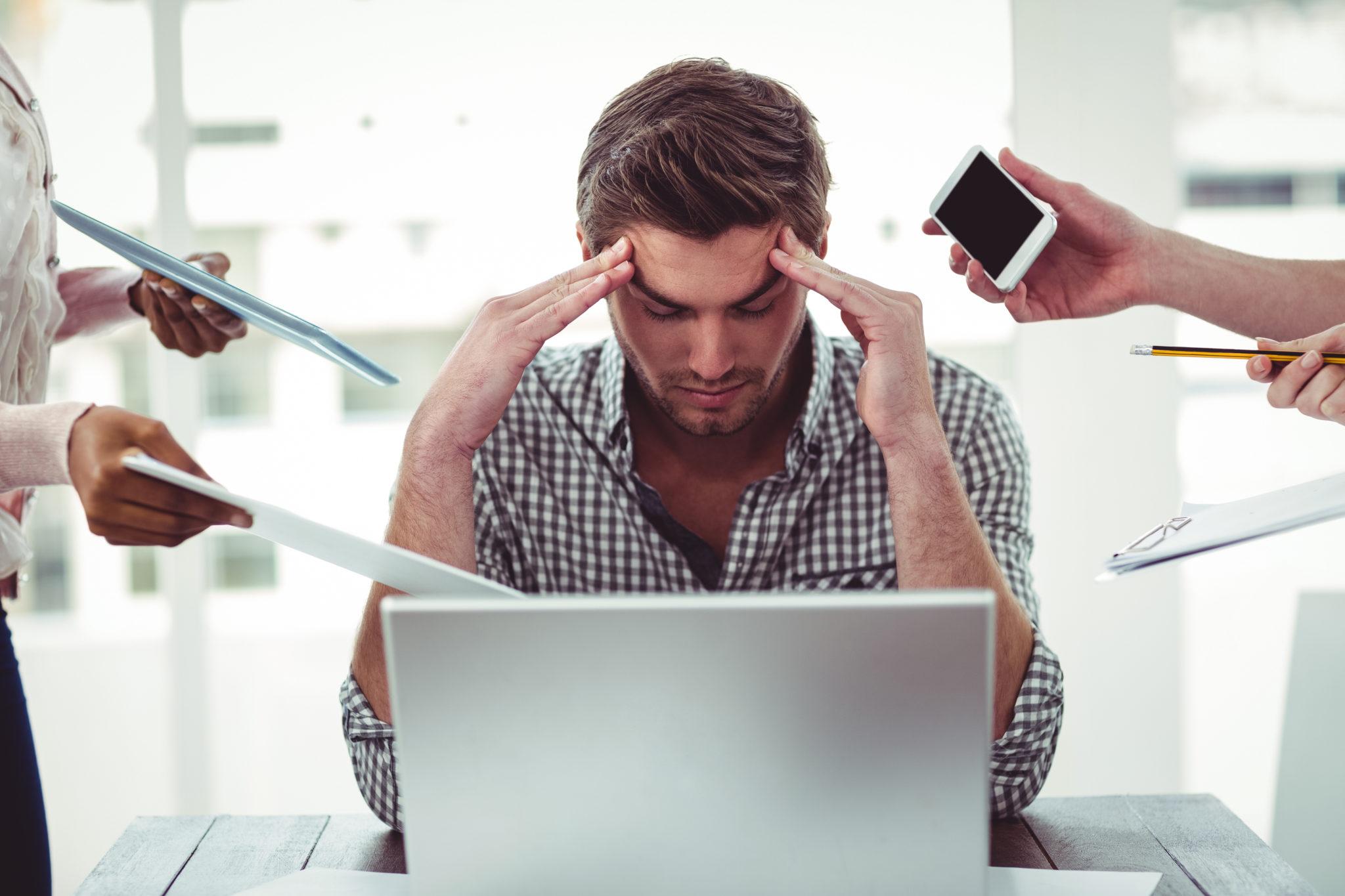 Een leraar met stress aan het werk