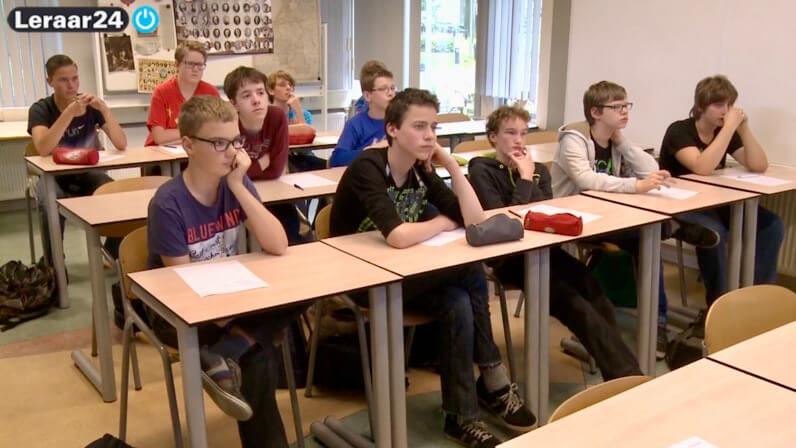 Leerlingen in een schoollokaal